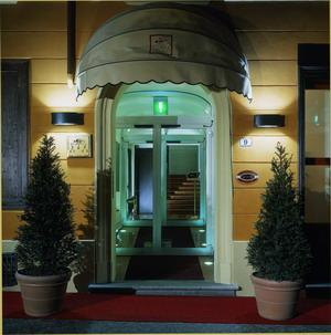 Centro storico italiano for Il cappello rosso bologna